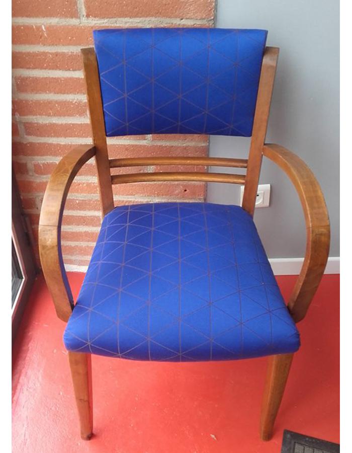 fauteuil-tonneau-bleu-ciel-claire-de-redon-tapissier-decoarateur-montauban
