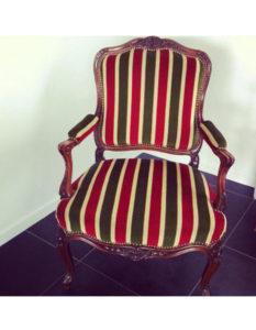 fauteuil-ancien-avant-renovation-claire-de-redon-tapissier-decorateur-montauban
