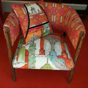 fauteuil-tissu-laliedesign-coussin-claire-de-redon-tapissier-decorateur-montauban