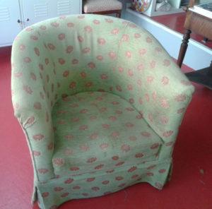 fauteuil-tonneau-avant-tissu-tapissier-claire-de-redon