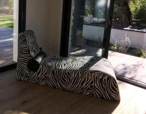 meridienne-tissu-zebre-noir-et-blanc-claire-de-redon-tapissier-decorateur-montauban