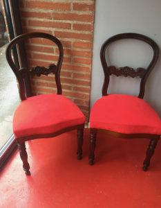 paire-louis-philippe-chaise-bois-tissu-rouge-claire-de-redon-tapissier-decorateur-montauban