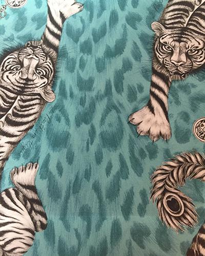 tissu-tigre-bleu-clarkeandclarke-tapissier-decorateur-montauban-claire-de-redon